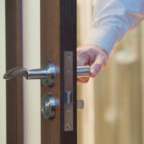 door replacement tips